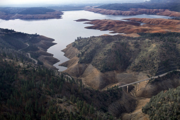 oroville facing dam